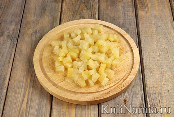 Салат с ананасом и грудкой