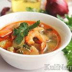 Острый суп с креветками и пастой том ям