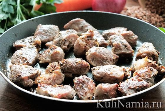 Как приготовить гречку со свининой