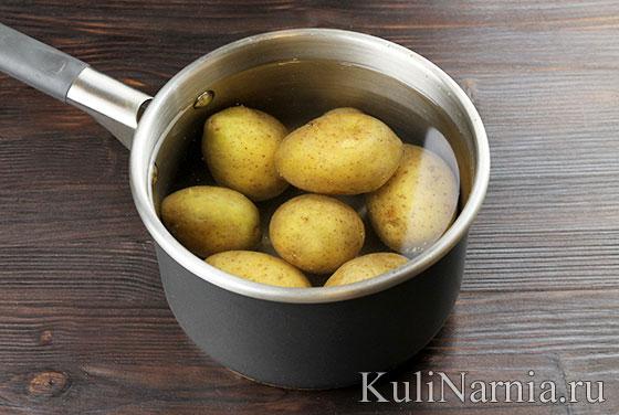 Картофель запеченный с беконом в духовке
