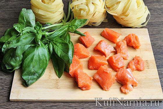 Фетучини с семгой в сливочном соусе рецепт