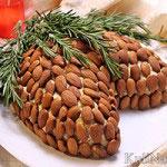 Салат «Шишка» с миндалем