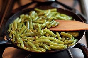Как приготовить стручковую фасоль на сковороде