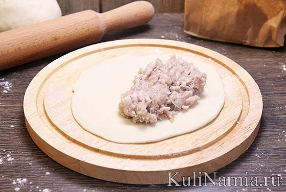 Как лепить чебуреки с мясом