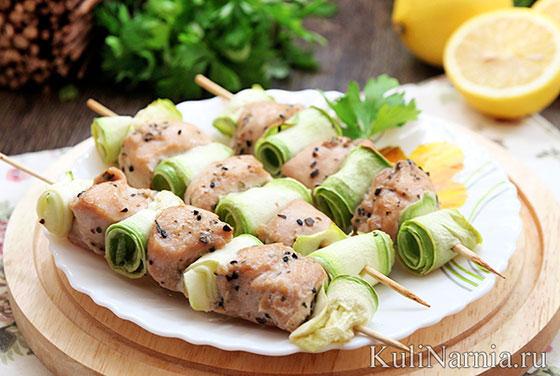 курица на шпажках с овощами в духовке