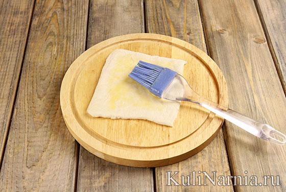 Как готовить слойки с вишней