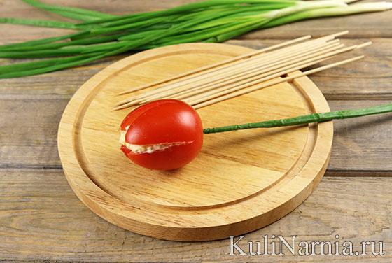 Салат Тюльпаны из помидоров