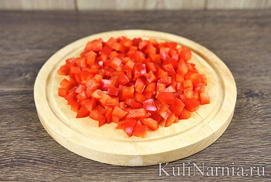 Салат с маринованными грибами и перцем
