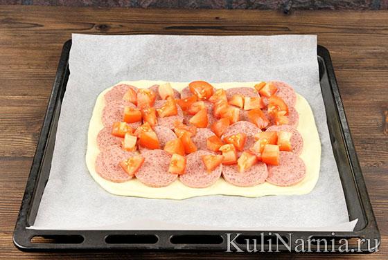 Как готовить пирог с колбасой и сыром