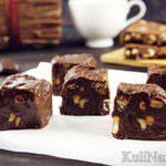 Шоколадный фадж с арахисом