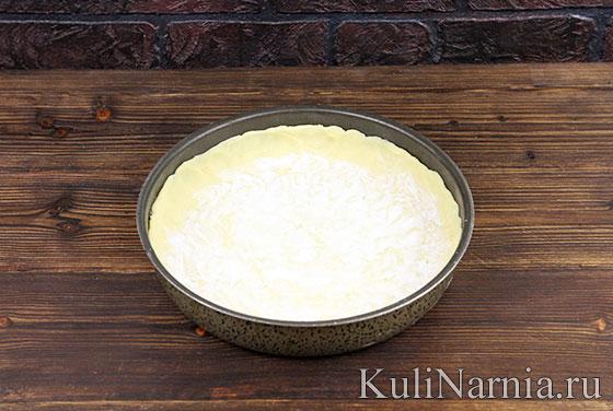 Песочный пирог с вишней в духовке