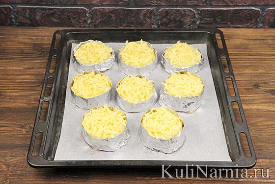 Курица под ананасом и сыром в духовке