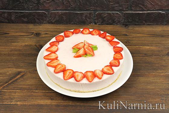 Как готовить клубничный торт без выпечки