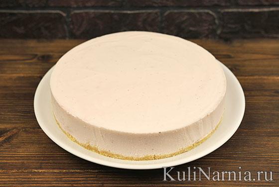 Клубничный торт без выпечки пошагово
