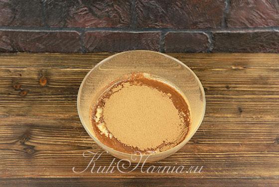 Добавляем какао в тесто для блинов