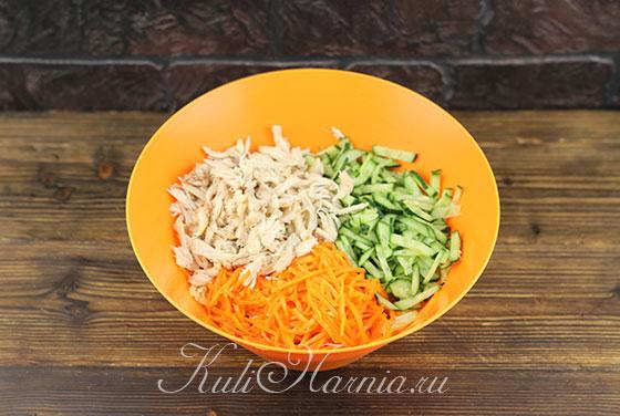 Салат с огурцами и пекинской капустой