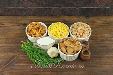 Ингредиенты для постного салата с фасолью и грибами