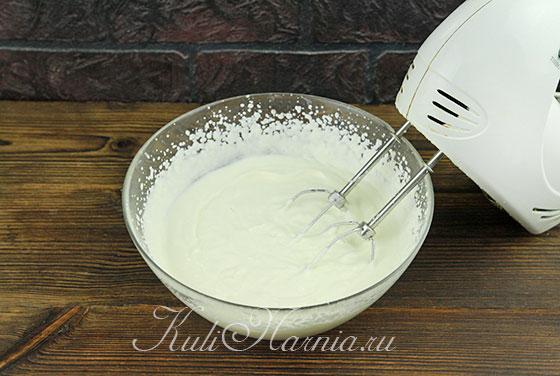 Взбиваем сливки с ванильным сахаром
