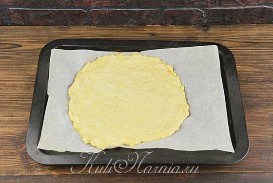 Отправляем лепешку для пиццы в духовку