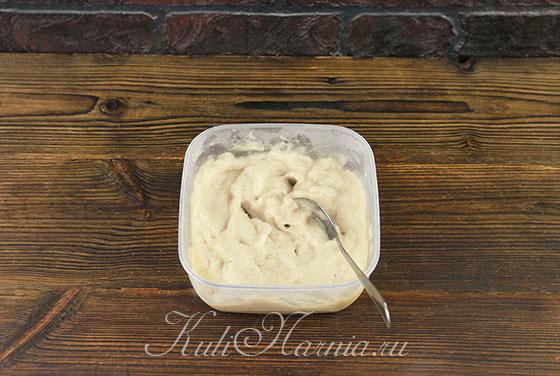 Перемешиваем банановое мороженое