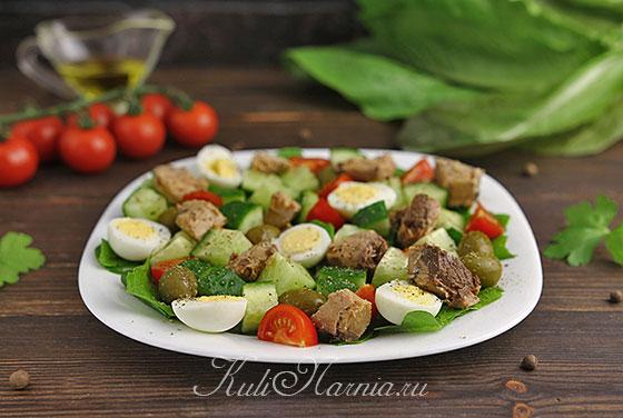 Салат с тунцом консервированным готов
