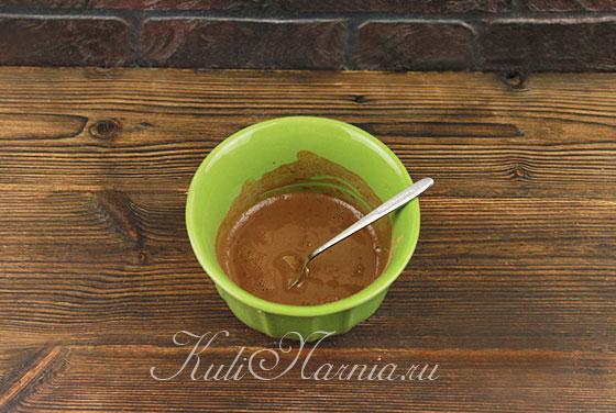 Смешиваем молоко и какао