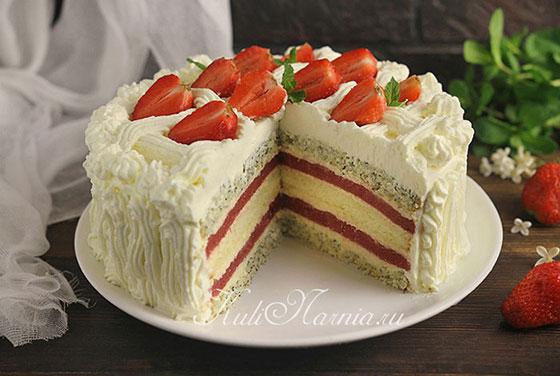 Торт Клубничный поцелуй в разрезе