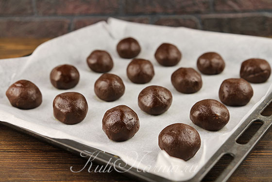 Формируем шоколадные шарики