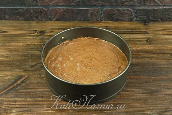 Отправляем шоколадный бисквит в духовку