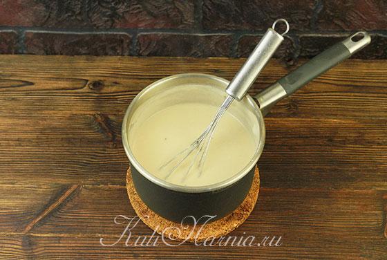 Размешиваем соус до растворения сыра