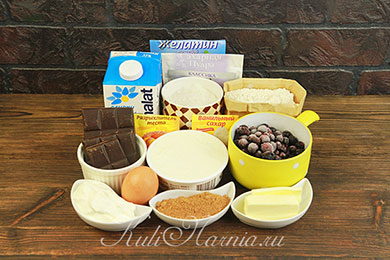 Ингредиенты для торта с черной смородиной