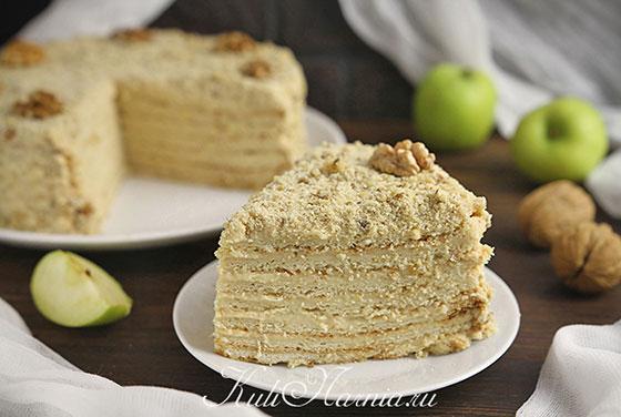 Яблочный торт готов