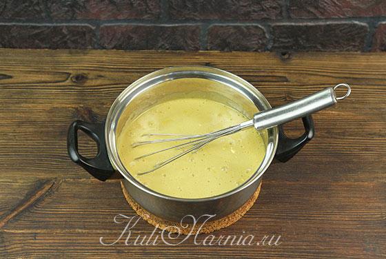 Добавляем соду к медово-масляному составу