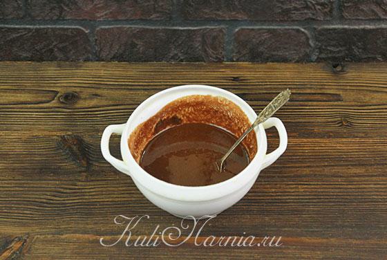 Какао добавляем к растопленному маслу