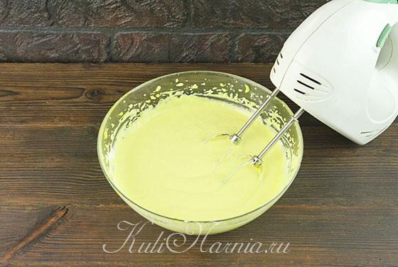 Вливаем желатин к лимонному крему