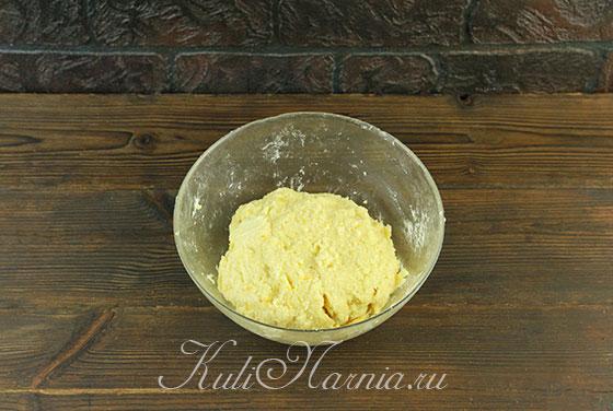 Собираем тесто для апельсинового печенья