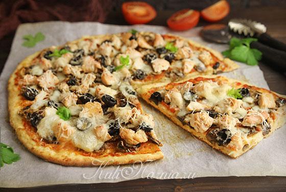 Пицца на творожном тесте без дрожжей готова