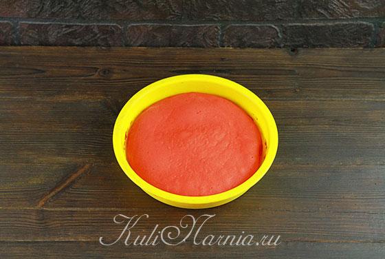 Ставим форму и красным тесто в духовку