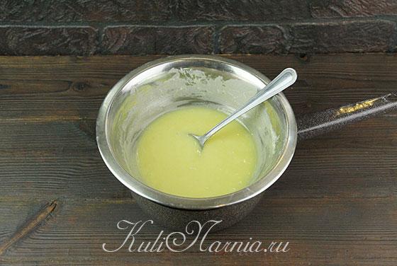 Растапливаем белый шоколад на водяной бане