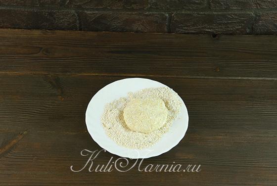 Придаем сырникам классическую форму