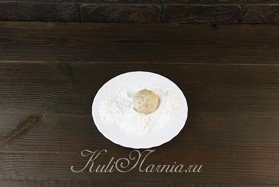 Формируем миндальное печенье