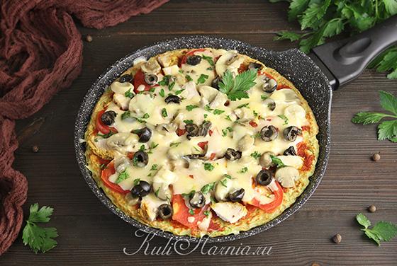 Кабачковая пицца на сковороде готова