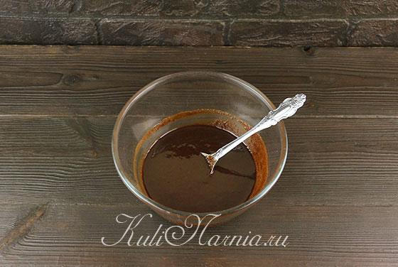 Растапливаем масло с какао