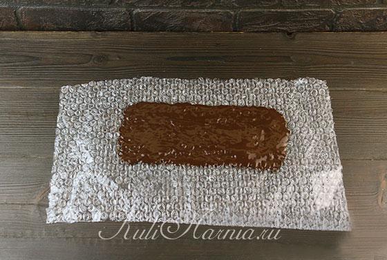 Наносим шоколад на пленку