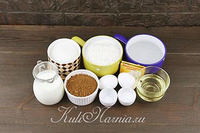 Ингредиенты для шоколадного бисквита на кипятке