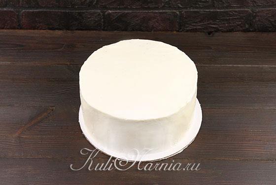 Наносим крем на торт
