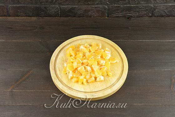 Очищаем мандарины для начинки