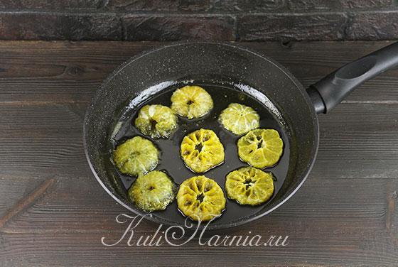 Переворачиваем мандарины в сиропе