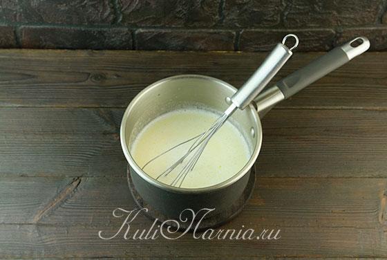 Прогреваем молоко с маслом