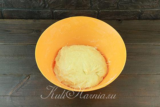 Замешиваем тесто для кулича